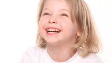 ほうれい線を消して素敵な笑顔に!表情筋トレーニング
